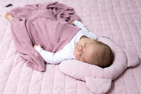 Sleepee Poduszka z wgłębieniem na główkę Royal Baby pink