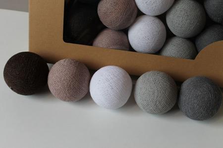 Świecące kule COTTON BALL zestaw Chestnut 50 sztuk